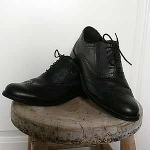Cole Haan black wingtip oxford shoes